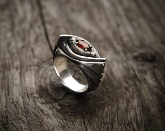 "Sterling Silver Garnet Ring  ""Amarendum"" 
