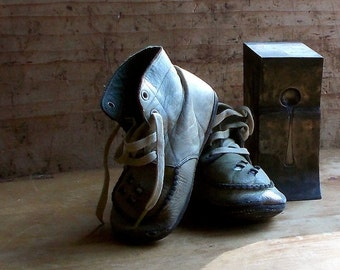 Vintage Leather Baby Shoes - Child's Booties - Brown Lace Up - Cottage Decorating