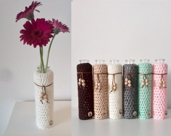 Crochet vase with wooden beads - cute little vase - vase mint green, pink, neutral color