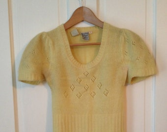 Sale/////Vintage 1950's Yellow Pinup Sweater