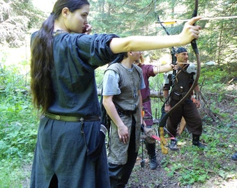 Female Warrior's basic Tunic- Comfortable basic medieval tunic for LARP or reenactment. Made to order from cotton in custom sizes.