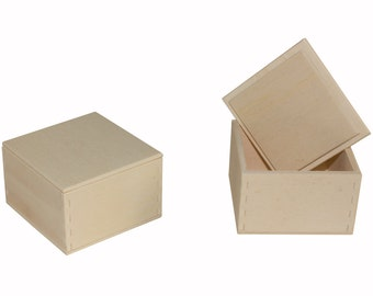 50 wooden boxes snap-top lid 4 7-7-.6 cm external dimensions for rings, pendants