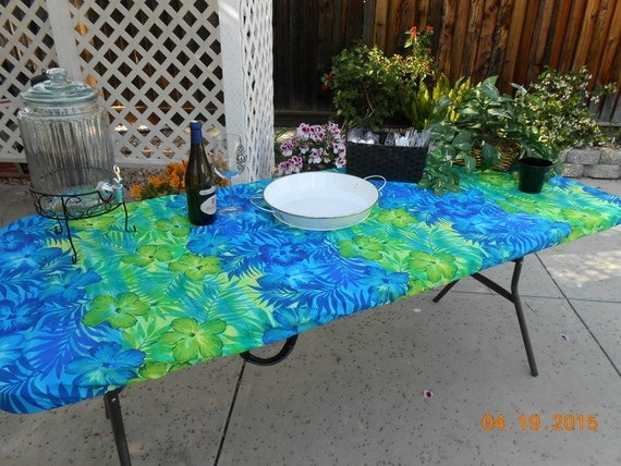 custom fitted stay put tablecloth 6 ft by premiertablecovers. Black Bedroom Furniture Sets. Home Design Ideas