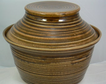 Brown Nuthatch Hand Thrown Pottery Large Casserole Dish