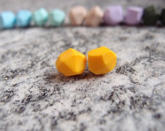 Yellow geometric lobe earrings-earrings with nuggets-yellow nugget earring-Geometric pearl earrings-St. Patrick's Gift