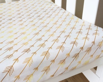 Modern Fitted Crib Sheet, Baby cot Sheet, Nursery baby bedding. Gold arrows.