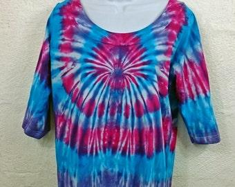 Plus size tie dye, Plus size top, Women's plus size, Women's clothing, Plus size tunic, Tunic tie dye, size 16 women's top, Tie dye T-shirt