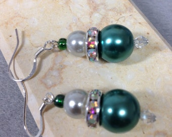 Green  pearl earrings bridesmaid gift Mother's Day gift