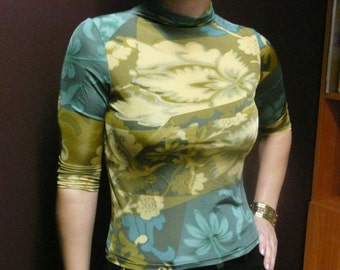 Kenzo Jungle blouse top . Small. Knee sleeves. Collar. Made in Italy.Size S / M  EU 36/38 UK 8 /10