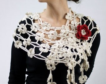 Crochet scarf beige flowers