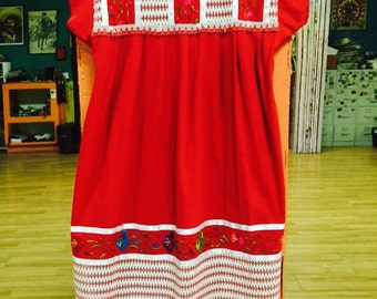 TRADITIONAL  Huipil Embroidered in Yucatan Mexico