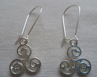 Triskelion earrings,triskele earrings,silver triskele, dropper earrings,wiccan jewelry , pagan jewelry,