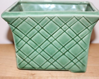 1940s green rectangular planter/vase
