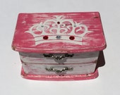 Jewelry box, PRINCESS jewelry box, Upcycled jewelry box, Pink  white decor, Princess crown, little girl gift, girl Birthday gift, gift, pink