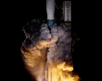 24x36 Poster; Delta Ii Liftoff Kepler Mission Delta Ii Liftoff