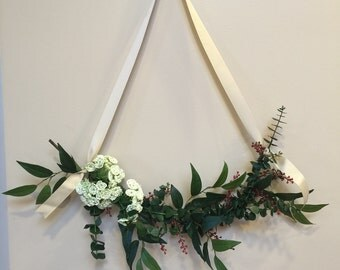 Dried Flower Swag / Wall Swag / Chair Swag / Wedding Swag / Reserved Sign Swag / Door Swag / Country Flower Swag / Home Decor Swag