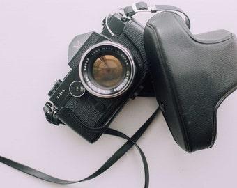Vintage Sears Tls Camera with camera case