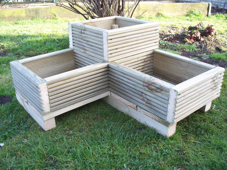 corner decking wooden garden planter l shaped planter wood. Black Bedroom Furniture Sets. Home Design Ideas