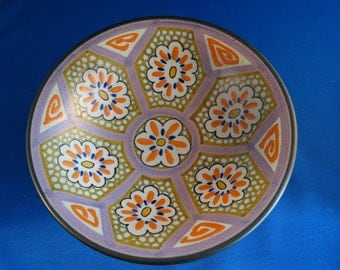 """Footed bowl, 8 inch diameter, 2 3/4 inch high, """"Unsaro"""" pattern, Gouda Holland, No damage; 1920's"""