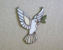 Stained glass ornament Dove of peace Eucharist dove patterns Stained glass panel