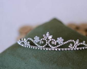 Little Princess/Bridal/Formal Rhinestone Tiara / Comb, Crystal Wedding Tiara, Bridal Headpiece, Wedding Accessories, Crystal Hair Piece