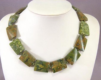 Necklace Rhyolite 25mm Twist Pillows NSRY5685