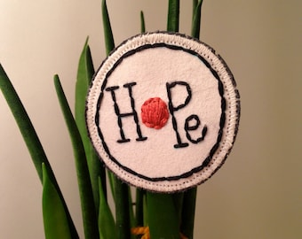 Embroidered brooch 'Hope'