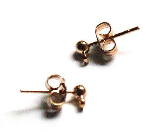 Gold plated ear studs with a closed jumpring.1 Pair