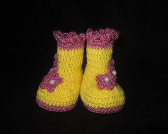 Hand knitted-crocheted booties for baby