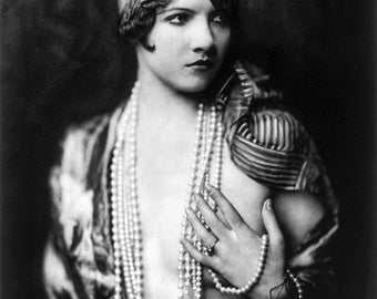 Alfred Cheney Johnston Photo, Ziegfeld Girl Jean Ackerman, 1920-30s