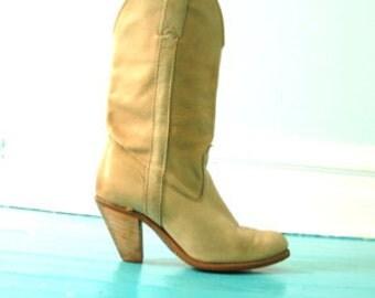 Vintage Cowboy Boots Womens 7 Sand Tan Stacked Heel Undercut Heel Riding Boot