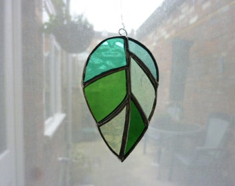 Stained Glass suncatcher. leaf