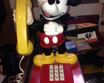 Authentic vintage Disney 1976 The Mickey Mouse push button telephone