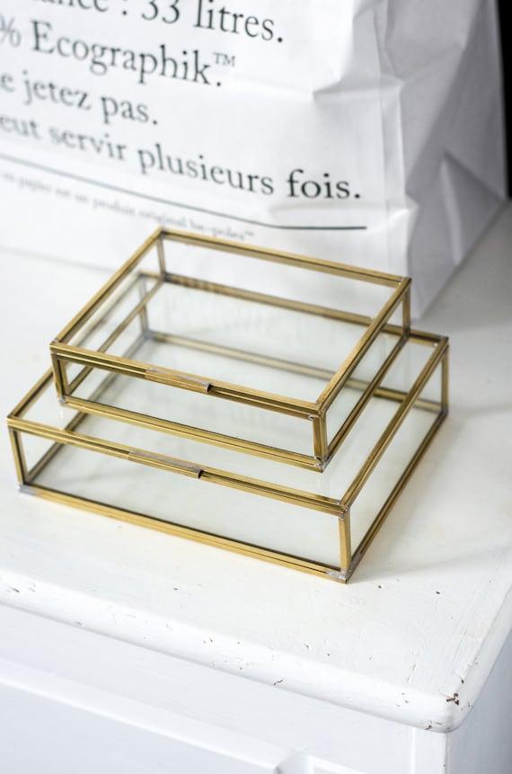 Glaskastenset zur Aufbewahrung persönlicher Gegenstände