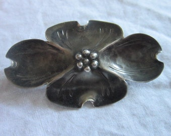 Vintage Signed YNE Sterling Silver Engraved Flower Brooch