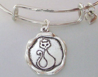 Girls  CAT CHARM  Bangle /  Pet Bracelet / Animal Jewelry - Gift For Her /  Jewelry / Under Twenty  Usa P1