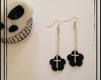 """Black flower"" earrings"