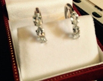 Clearence priced!! Vintage 10KT white gold aquamarine earrings