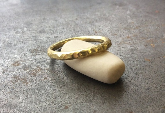 Solid 18k yellow gold rustic hammered  band ring, size 7.75