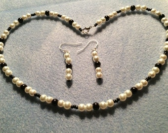 """24"""" Black & White Pearl Necklace and Earring Set"""