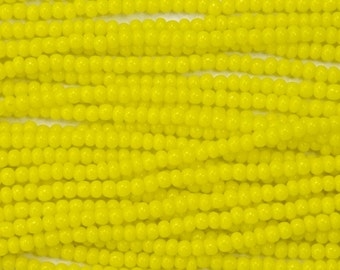 14/0 Opaque Yellow Czech Seed Bead (Hank) #CSJ017
