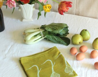 tangy green onions tea towel