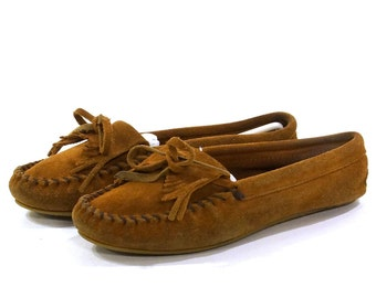 Minnetonka Driving Moccasins / Fringed Loafers / Brown Suede / Women's size 8.5