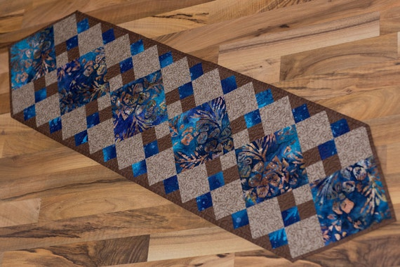 Basket Weave Table Runner Pattern : Quilted table runner pattern from gloryquilts digital