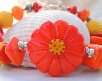 DAISY DAISY Handmade Lampwork Bead Bracelet