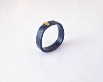 gold hammered stripe finger shaped ring