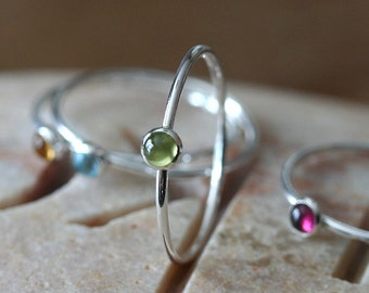 Thin Peridot Stacking Ring 3 mm in Sterling Silver, Size 2 to 15, Skinny Ring, August Birthstone Ring, Womens Ring, Skinny Ring, Solitaire