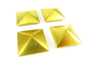 Red Brass Plated 3-D Pyramid Square Findings (6X) (V130)