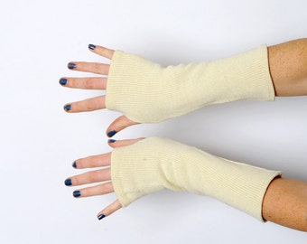 Cream knit armwarmers, upcycled white cream knit fingerless gloves, Thick white wrist warmers