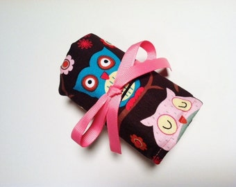 Kids Christmas Stocking Stuffer - Crayon Roll CUTIE HOOTIES OWLS (16 crayon count) - Ready To Ship